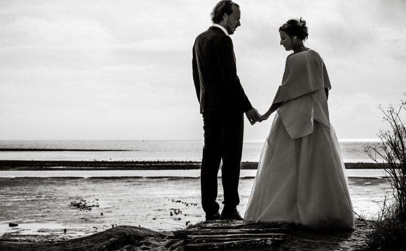 Shooting de couple en bord de mer